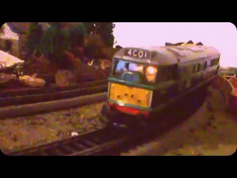 TRI-ANG R357 A1A-A1A DIESEL ELECTRIC LOCO WITH CAB LIGHT