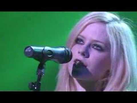 Avril Lavigne - Who Knows (Live)