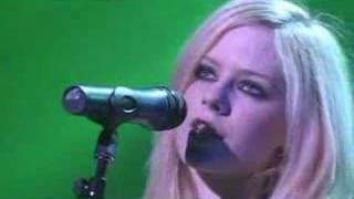 Клип Avril Lavigne - Who Knows (live)