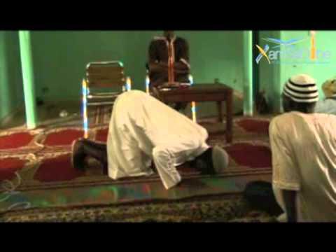 Demonstration de la priere avec Oustaaz Niang Mbaye - xamsadine.net