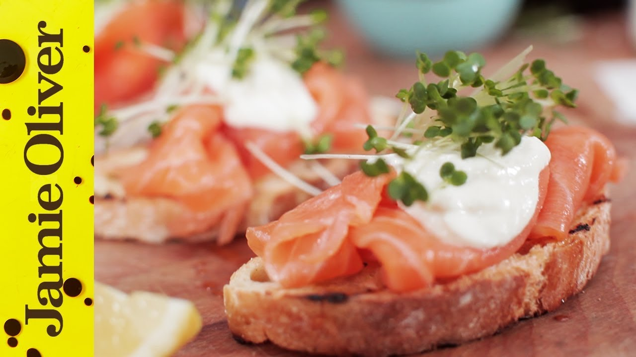 Smoked salmon horseradish canapes jamie oliver for Canape ideas jamie oliver