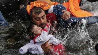 Photographer awarded for images of European migrants
