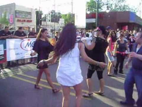 Hot Girl Dancing In Arab Festival 2010 video
