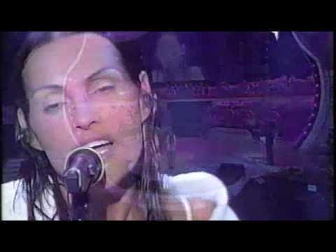 Anna Oxa – Cambierò – Sanremo 2003.m4v