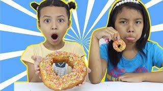 MINI VS BIG FOOD CHALLENGE ♥ Who wins Jumbo Donut ?