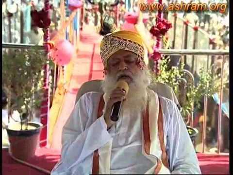 Why Asaram ji Bapu Celebrates Holi ( festival of colors) With Natural Colours ???