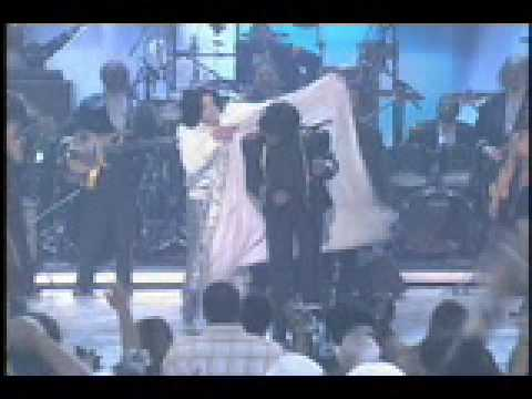 James Brown Dies (Tribute w/ Michael Jackson)