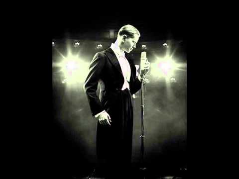 Max Raabe - Oops... I Did It Again (ft. Palast Orchester)
