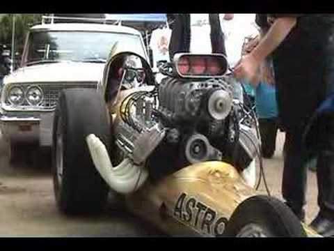 Vintage nitro dragster warm up.
