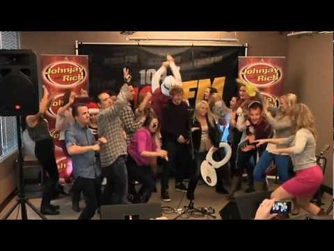 ED SHEERAN does the HARLEM SHAKE! (with Johnjay and Rich)