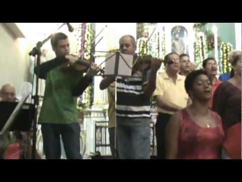 Coral e Orquestra Maria Imaculada cantam Hino de S�o Bartolomeu de Maragogipe