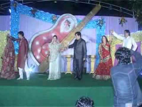 HUM SAATH SAATH HAI dance by all the In-laws