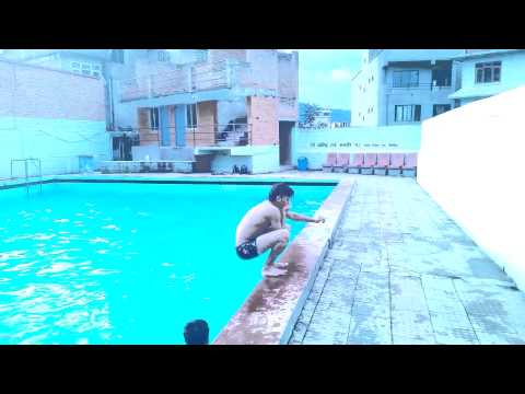 Hot Sexy Boys And Girls In Same Swimming Pool video