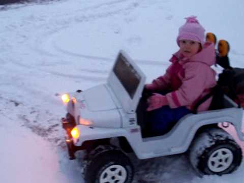 Power Wheels Jeep in the snow