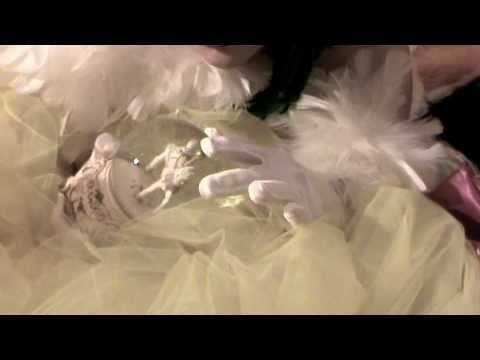 """Video Spot per la nuova produzione di Ferai Teatro """"I monologhi della vagina"""" di Eve Ensler. Dayana Drag Queen (Miss Drag Queen Sardegna 2010 e Miss Drag Fac..."""