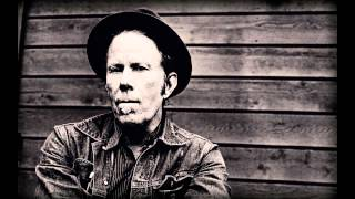 Watch Tom Waits That Feel video