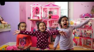 Barbie Dream House - Build and Playing