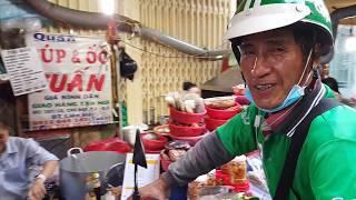 Ăn vặt chiều gặp Việt Kiều bỏ Mỹ về Saigon chạy Grab
