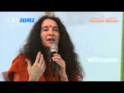 Guru Purnima Discourse At Art Of Living - Sadhvi Bhagawatiji video