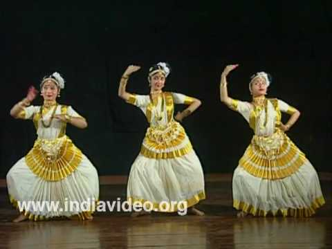 Mohiniyattam – female, solo dance of Kerala