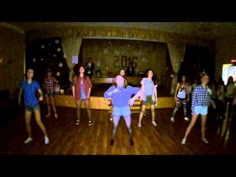 Танец на дискотеке