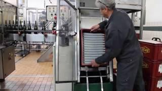 Mini-décaisseur   Semi-automatic case destocking of wirehoods   Mini-décaisseur de muselets