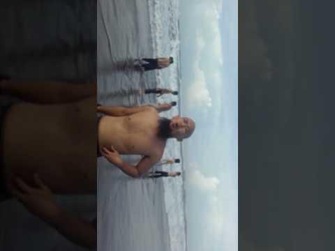 Wanita Telanjang Di Pantai