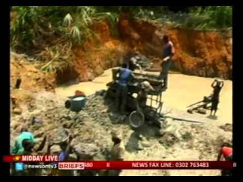 MiddayLive - Ghana chamber of mines calls for security at Anglogold concessions  -12/2/2016