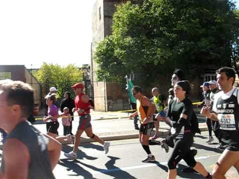 Gene Simmons Runs The New York City Marathon