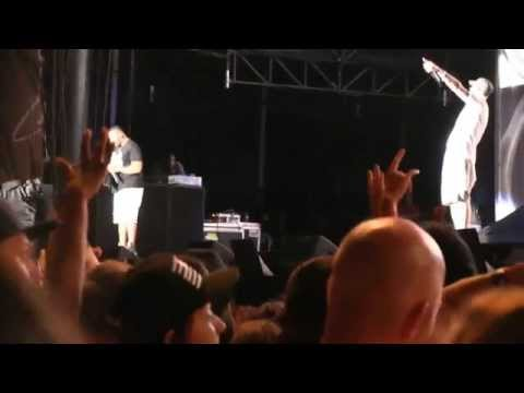 "Eminem @ Lolla 2014- ""My Name Is/ The Real Slim Shady/ Without Me"" 8-1-2014"