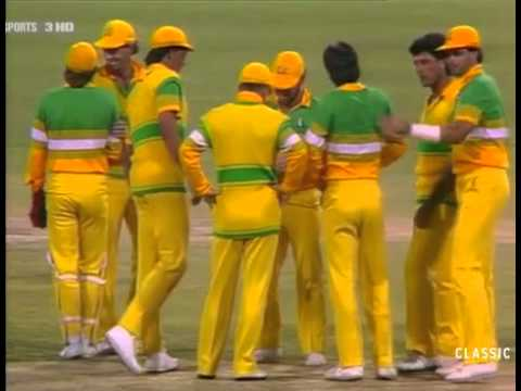Australia vs Pakistan B&H Americas Challenge Cup WACA 1986/7 - Mujtaba clinches a 1 wicket win