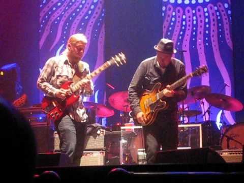 The Tedeschi-Trucks Band - Guitar Duel - 9/20/12