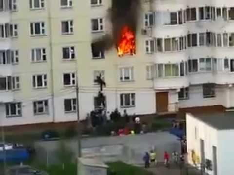Таджикский «спайдермен» спас русского ребенка из горящей квартиры. ВИДЕО