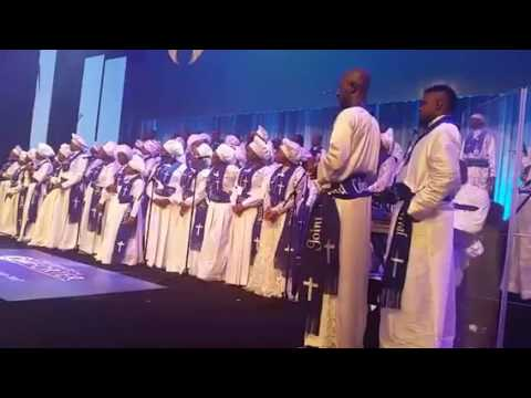 GOSPEL SINGER MUYIWA AND ESTHER AJAYI SING TOGETHER ON STAGE IN EXCEL LONDON