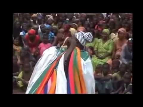 Nyohini Kpanalana dancing dagbani traditional dance.