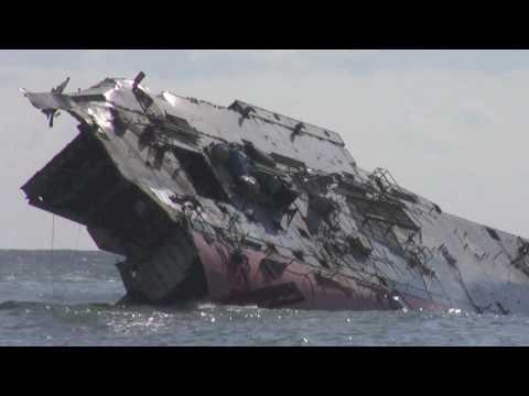10-03-10 32倍速 ありあけフェリー解体撤去作業 55日目 船体大崩壊