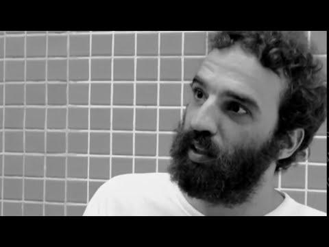 Marcelo Camelo Falando Sobre Mallu Magalhães - (Extras - DVD Mallu Magalhães 2008) thumbnail