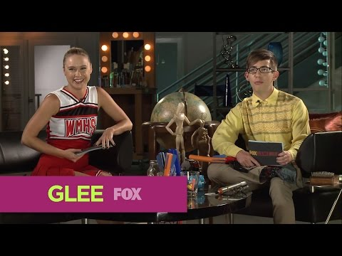 FOX Lounge: Becca and Kevin Confessions Of Two Streakers | GLEE