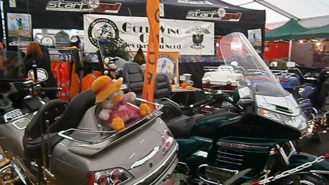 Stand goldwing club des pays du nord au salon moto de for Salon de pecquencourt