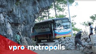Dangerous highway in the Philippines - vpro Metropolis