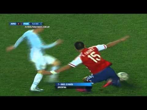 Tembló la defensa: Messi aceleró e hizo chocar a dos paraguayos