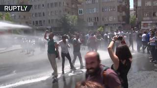 Crowd supporting ousted Kurdish mayor of Diyarbakır dispersed with police water cannon
