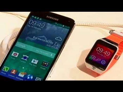 Cell Guru at MWC 2014: Samsung Galaxy S5 and Gear wristbands