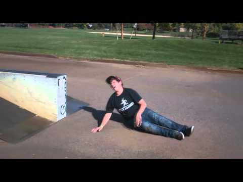 Longboarding - Tan-Tien Boardslide