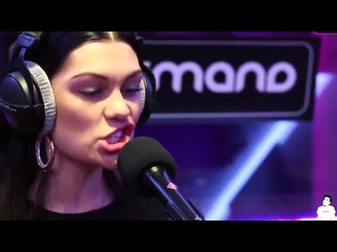 Jessie J - Bang Bang (Live) Worst Performance Ever (Shreds)
