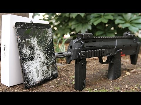 iPad MIni vs H&K MP7