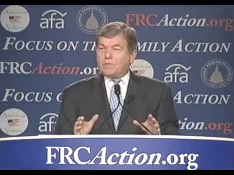 "Roy Blunt's ""monkeys on a golf course"" anecdote"