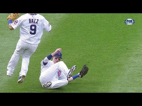 LAD@CHC: Coghlan races to make a sliding grab in left
