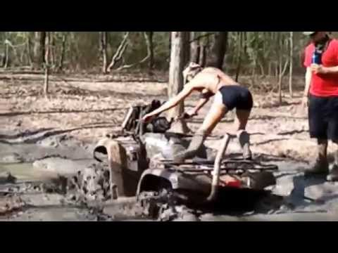 голые девки и квадроцикл-на2
