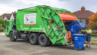 Autocar WXLL - McNeilus Rear Load Garbage Truck